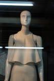 在玻璃的时装模特 库存照片
