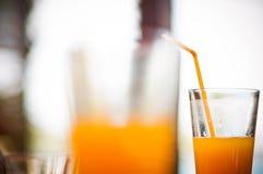 在玻璃的汁液 库存照片