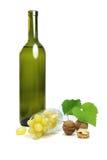 在玻璃的白葡萄 库存照片