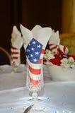 在玻璃的美国国旗餐巾 库存图片