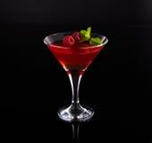 在玻璃的草莓果冻 免版税库存图片