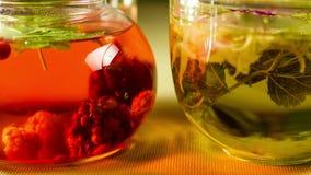 在玻璃的莓果清凉茶 影视素材