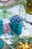 在玻璃的蓝莓 免版税库存图片