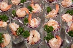 在玻璃的虾仁开胃品 库存图片
