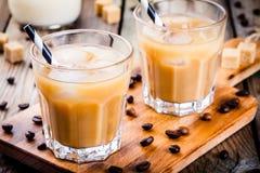 在玻璃的被冰的咖啡 库存照片