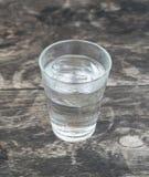 在玻璃的水 免版税库存图片