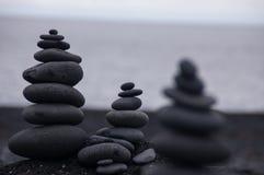 在黑白的岩石 库存图片