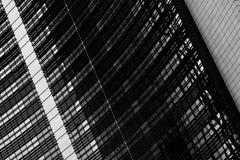 在黑白的抽象建筑片段 库存照片