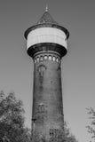 在黑白的老水塔 免版税图库摄影