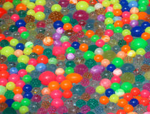 在水的塑料球在日本夏天节日的铁锹比赛的 免版税图库摄影
