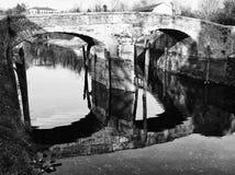 在水的桥梁反射 库存照片