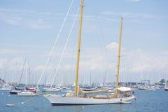 在水的游艇 免版税库存图片