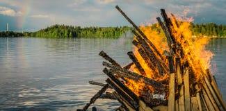 在水的篝火在坦佩雷,芬兰 库存照片