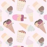 在轻的背景的圆锥形的冰淇淋杯 图库摄影
