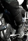 在他的自行车的Motorbiker 免版税库存图片