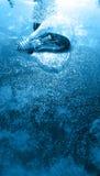 在水的蓝色电灯泡 库存图片