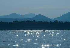 在水的阳光 库存图片