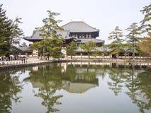 在水的Todaiji 免版税库存照片