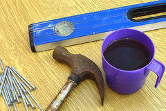 在建筑工地的咖啡休息 免版税库存图片