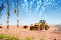 在建筑工地的推土机 免版税库存照片