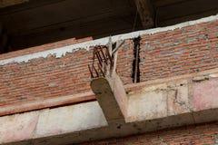 在建筑柱子的被加强的铁棍 免版税图库摄影