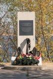 在1942-1943纪念碑在伏尔加格勒穿过河伏尔加河的到位Chervonoarmiyska 库存照片
