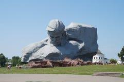 在1941年纪念碑建立了关于保护布雷斯特堡垒的战士荣誉  库存图片