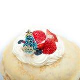 在绉纱薄煎饼蛋糕的圣诞树 库存照片