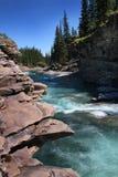 在绵羊河,亚伯大的清楚的蓝天 库存图片