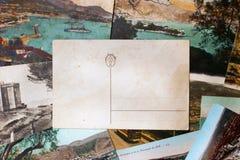 在黑背景的葡萄酒明信片 库存图片