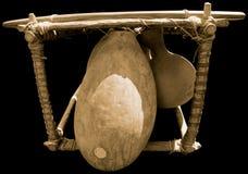 在黑背景的非洲balaphon 免版税库存照片