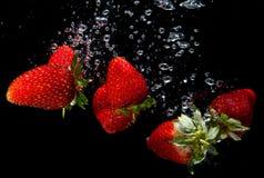 湿草莓 免版税库存图片