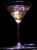 在黑背景13的蓝莓鸡尾酒 库存照片
