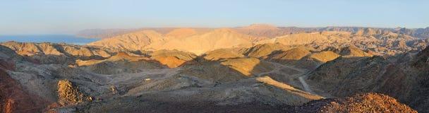 在以色列(全景)的南部的边界的山 免版税库存图片