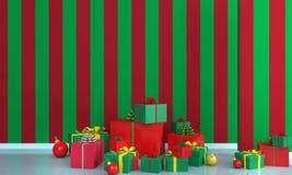 在绿色和红色墙壁背景的圣诞树 免版税图库摄影