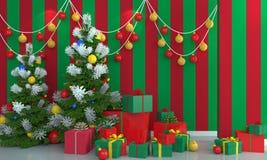 在绿色和红色墙壁背景的圣诞树 库存图片