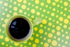 在绿色和黄色设置的咖啡 库存照片