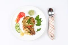 在绿色咖喱的油煎的茉莉花米用混杂的肉 库存图片