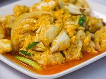 在黄色咖喱的被蒸的螃蟹 免版税图库摄影