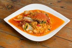 在黄色咖喱,混乱油煎的螃蟹咖喱的油煎的螃蟹 库存图片