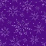 在紫色无缝的背景的简单的花剪影 免版税库存照片