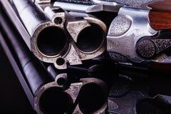 在黑色的猎枪后膛 库存照片