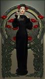 在黑色的维多利亚女王时代的秀丽 库存图片