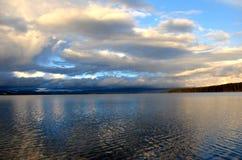 在黄色石河的云彩在黄色石国家公园 库存图片