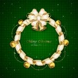 在绿色背景的圣诞节装饰 免版税库存照片