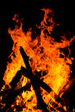 在黑色背景的火火焰 免版税库存照片