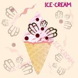 在黄色背景的蔓越桔冰淇凌 图库摄影