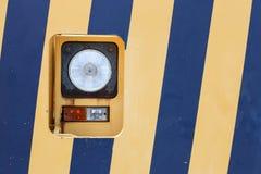 在黄色蓝色的灯 库存图片
