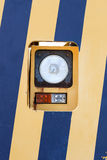 在黄色蓝色的灯 库存照片