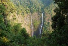 在巴色附近的塔德Fane瀑布, Bolaven高原的,老挝 免版税库存图片
